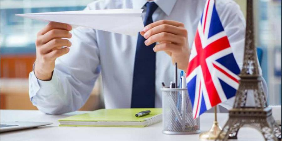 How to become a travel agent UK